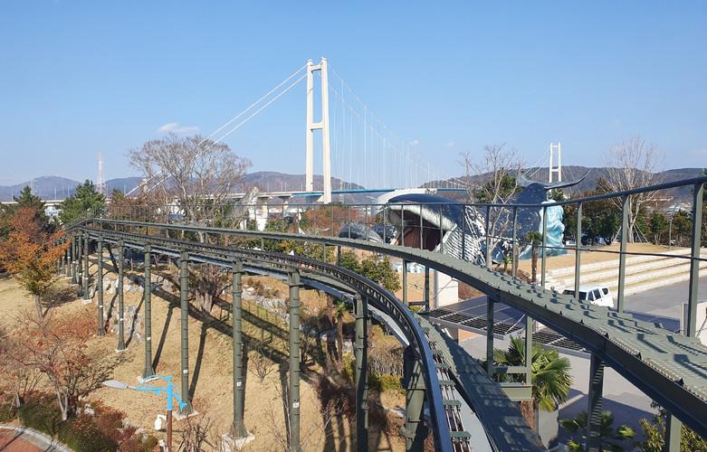 Jangsangpo Whale Village Monorail.jpg