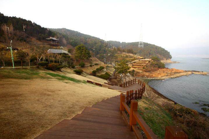 Tongyeong Lee Sunsin Park.jpg