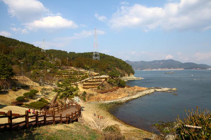 Tongyeong Lee Sunsin Park 2.jpg