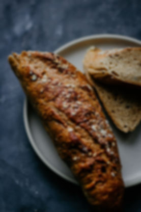 bread-breakfast-close-up-2067408.jpg