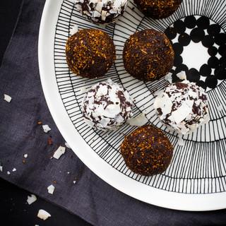 Chaga chocolate truffles (makes 8 truffles)