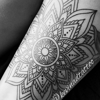Healed lines by our artist Kevin. _kevin
