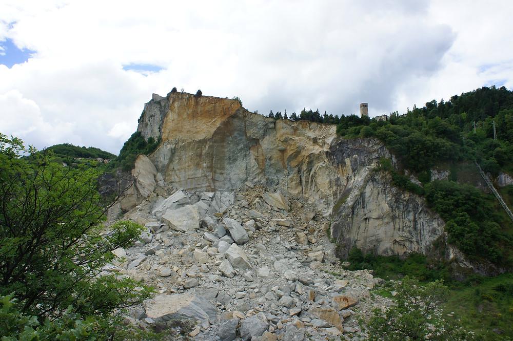 Sperone di roccia su cui sorge San Leo