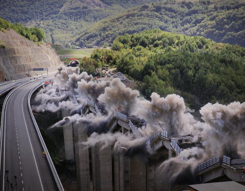 Andrea Botto, The explosion of landscape: Blasting Practices, Cortona on the move 2019