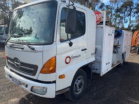 P013 - Hino FD Service Truck XV97KA.jpg