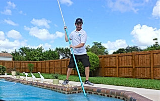 Pool%20services%20in%20Miami_edited.jpg