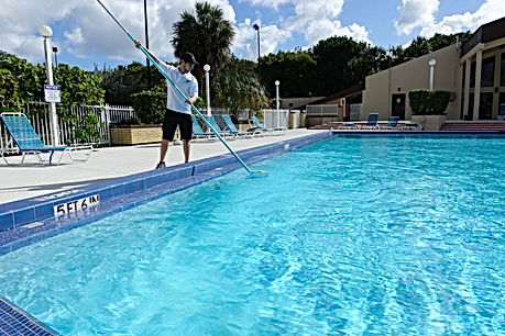 VSP - Steve cleaning commercial pool5 co
