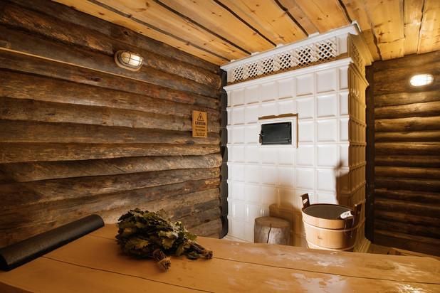 Private banya stove in parilka