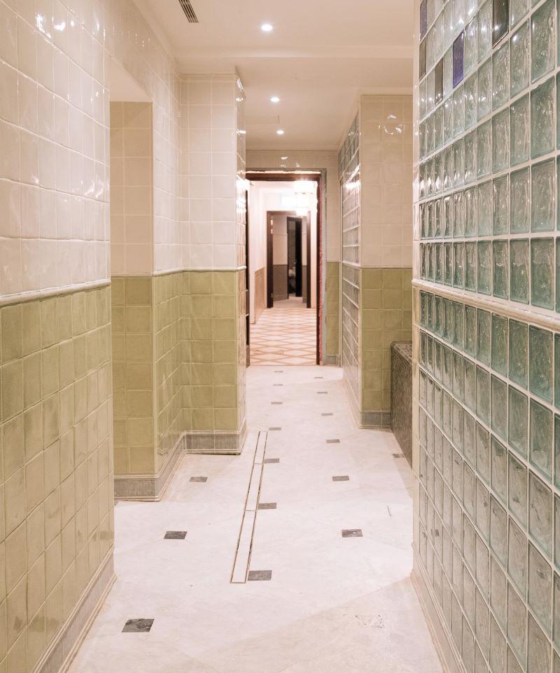 Bathhouse_corridor.jpg