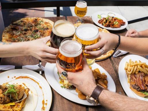 Estudo avalia o vínculo entre comportamentos alimentares não saudáveis e o uso pesado de álcool