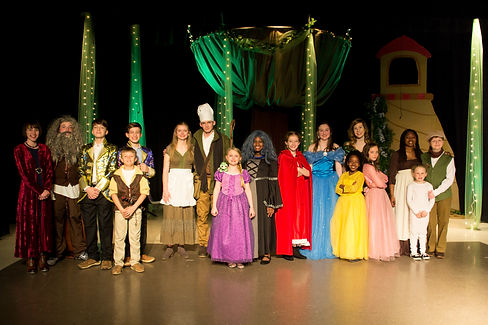 Into The Woods Cast Picture.jpg