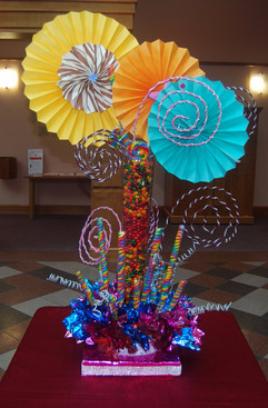 Candy Center piece with fan_edited.jpg