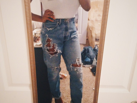 Ins and Outs of DIY Distressed Jeans