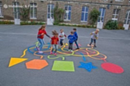 32 | יצירתיות | חשיבה מחוץ לקופסה | יצירתיות בבית הספר | רעיונות מדליקים לבית הספר | רעיונות מדליקים לחצר המשחקים | עבודת צוות בבית ספר | מודעות עצמית | חשיבה יצירתית | גאונות | זהירות גאונות לפניך | גאונות וחשיבה מחוץ לקופסה | להיות יצירתי | מחשבה מייצרת מציאות | חשיבה יצירתית