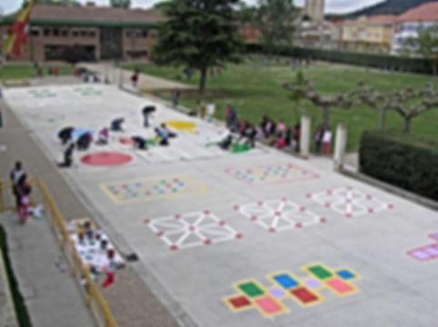 45 | יצירתיות | חשיבה מחוץ לקופסה | יצירתיות בבית הספר | רעיונות מדליקים לבית הספר | רעיונות מדליקים לחצר המשחקים | עבודת צוות בבית ספר | מודעות עצמית | חשיבה יצירתית | גאונות | זהירות גאונות לפניך | גאונות וחשיבה מחוץ לקופסה | להיות יצירתי | מחשבה מייצרת מציאות | חשיבה יצירתית