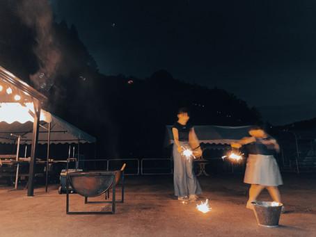 AZMYでは花火の持ち込みは無料です