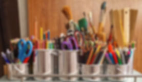art-supplies-brushes-rulers-scissors-159