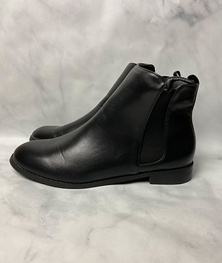 SHEIN Chelsea Boots
