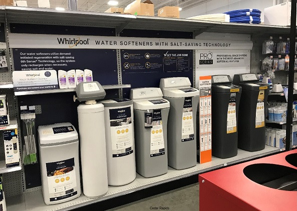 Whirlpool designed a new display for use in Fleet & Farm's 40+ locations. McCullough & Associates put there team in motion and was able to complete the project for the customer in less then a week.