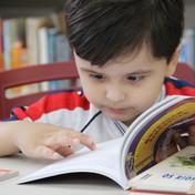 Contamos com uma vasta biblioteca e espaços de leitura