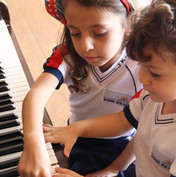 Temos aula de música