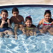Temos piscinas para práticas esportivas e recreação