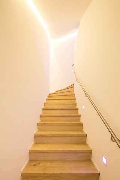 Wohnhaus | Flur & Treppengang Projekt ansehen >