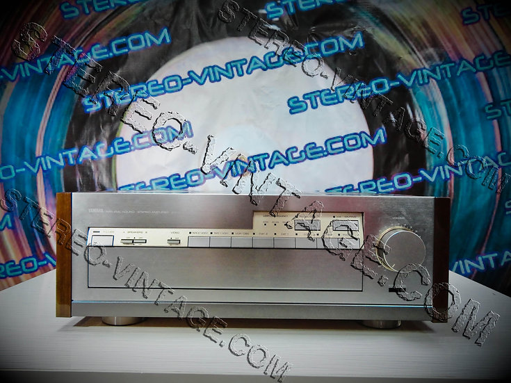 YAMAHA AX-2000