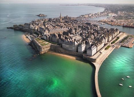 ville-vue-du-ciel-St-Malo.jpg