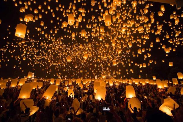 Renkli, Kalabalık ve Neşeli: Uzak Doğu Festivalleri