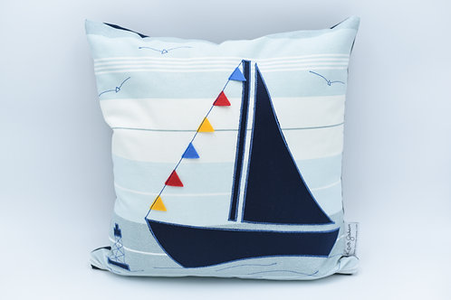 Cushion with large sailboat - dark blue twill on stripes