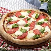 ピザ カプリ モッツァレラチーズとフレッシュバジル