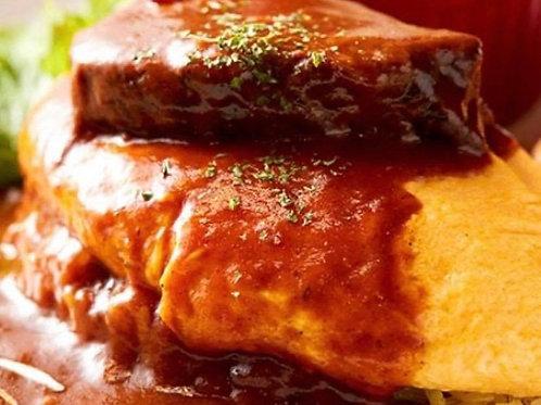 10時間じっくり煮込んだ牛ホホ肉の百年オムライス