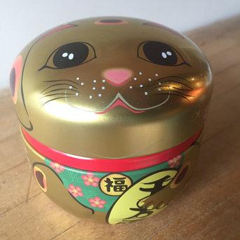 LUCKY CAT TEA TIN