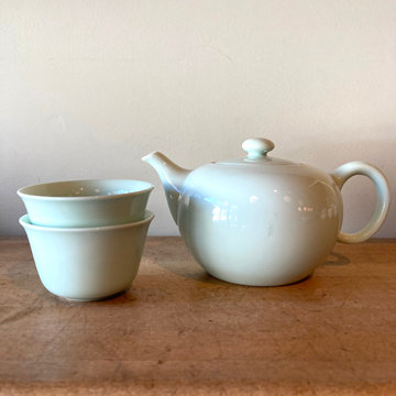 CELADON TEAPOT with 2 CUPS