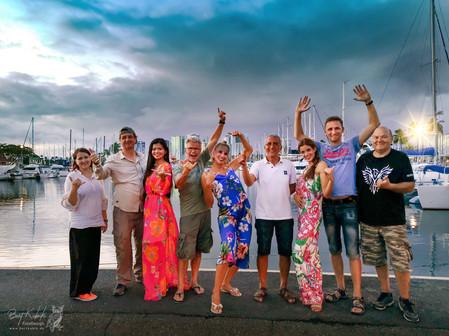 Shooting-Gruppen-Foto im Hafen von Honolulu