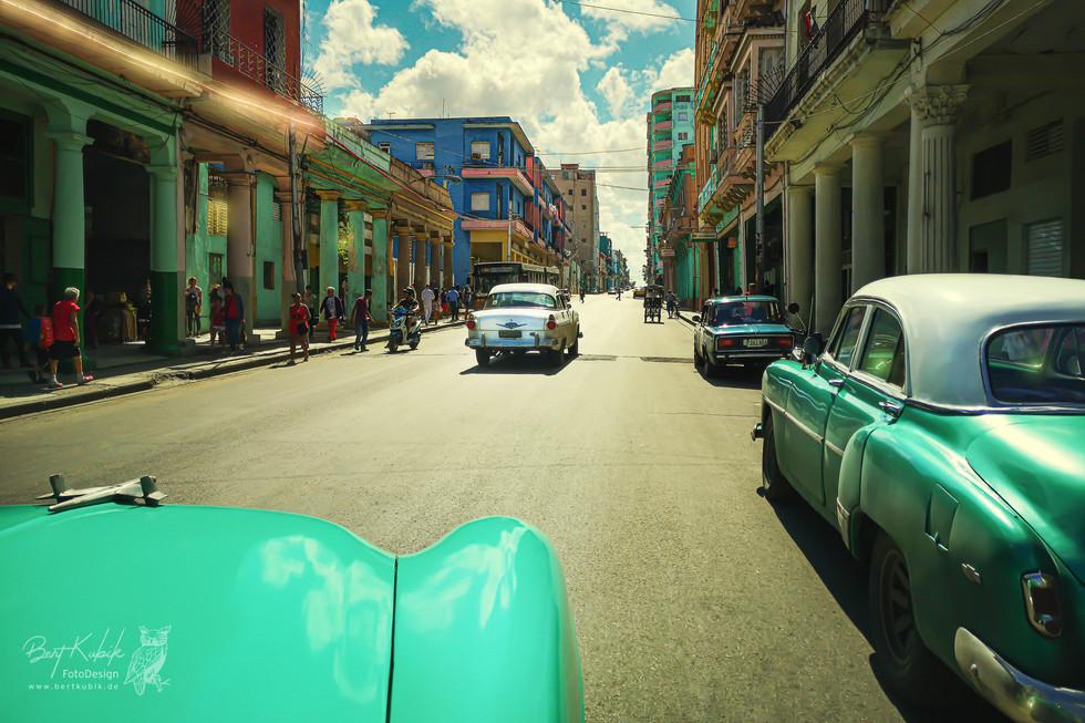 Im Cabrio-Taxi Unterwegs durch Havanna