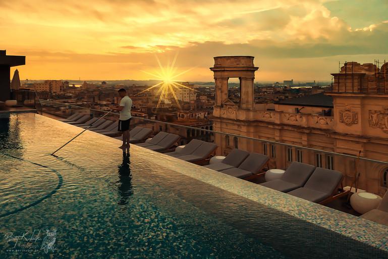 Sonnen-Aufgang auf der Dach-Terrasse vom Grand Hotel in Havanna