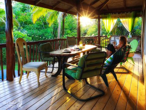 Sonnige Morgen-Momente im Paradise Park auf Big Island