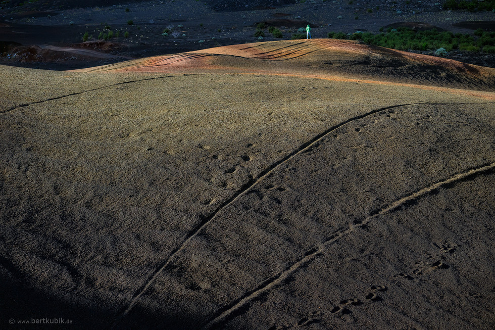 Spuren im Lava-Sand