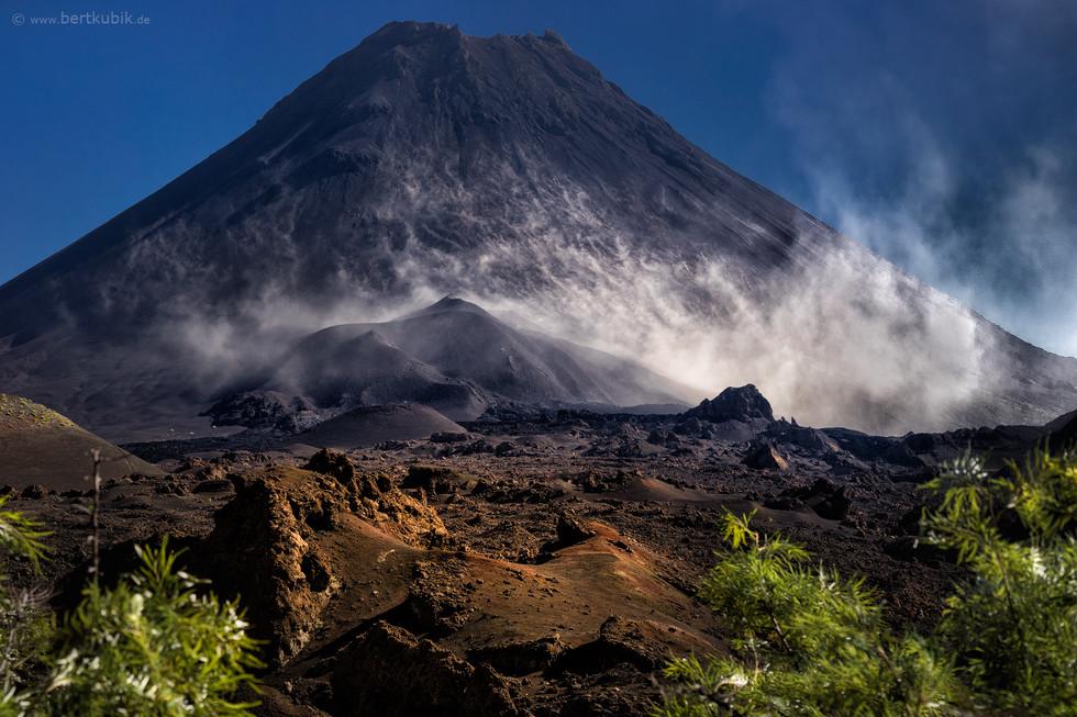 Mystische Morgenstimmung am Fuße des Pico