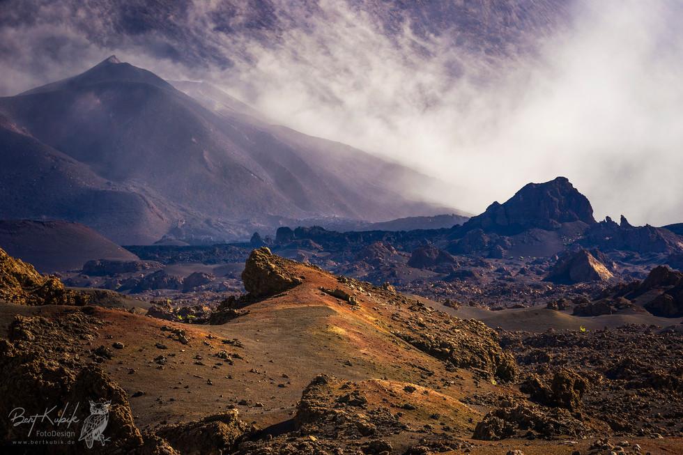 Mystischer Morgenstimmung am Fuße des Pico