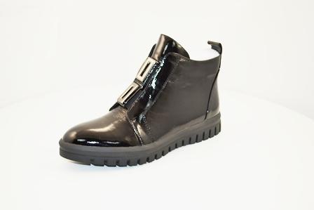 Ботинки, р.35-40, нат.кожа, цена-6900р, спец.цена-5850р.