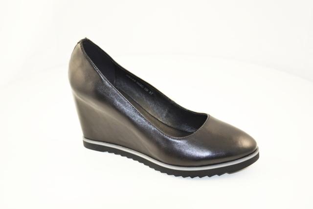 Туфли, р.35-40, нат.кожа, цена -4830р, спец.цена-4100р.