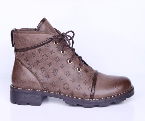 Ботинки, р.36-41, иск.кожа, цена-2810р, спец.цена-2400р.