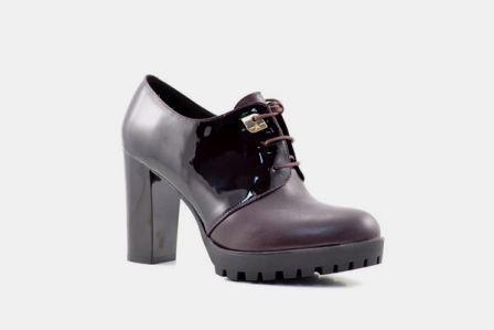 Туфли, р.35-39, нат.кожа, лак,  цена-5290р, спец.цена-4490р.