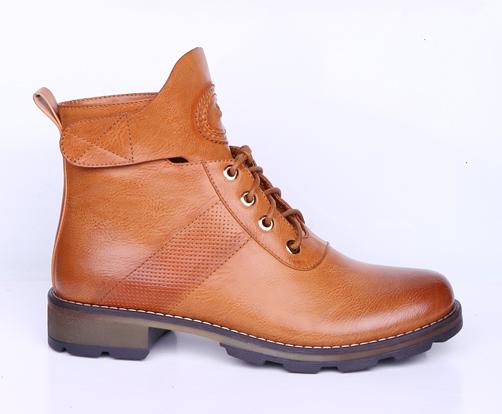 Ботинки, р.36-41, иск.кожа, цена-2730р, спец.цена-2340р.