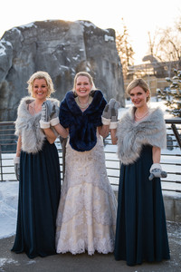 Calgary Zoo Winter Wedding, Bridesmaids and Mittens