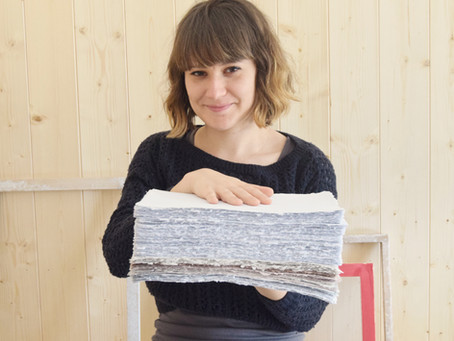 Homemade paper to artisan wedding invitations | An interview with Sonia from Carta Muriel