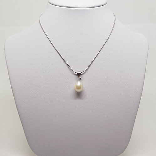 Freshwater White Pearl Silver necklace